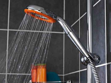 Shower aeration